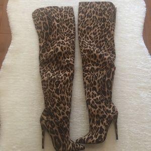 NIB Sexy Cheetah Over the Knee Heeled Boots